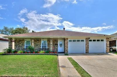 Kenner Single Family Home For Sale: 4220 Loire Drive