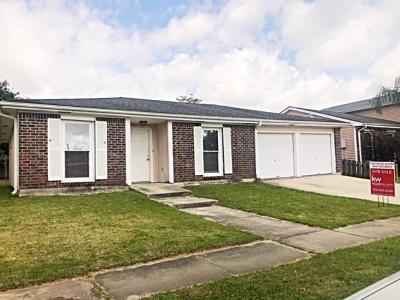 Single Family Home For Sale: 3708 Cimwood Drive