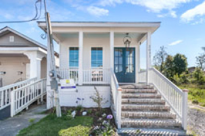 Single Family Home For Sale: 3031 Delachaise Street