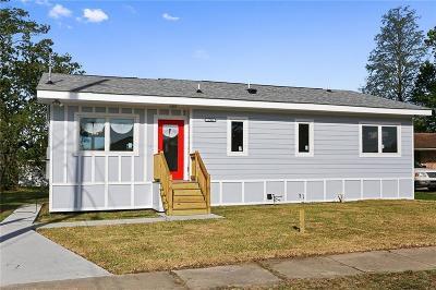Single Family Home For Sale: 4700 Sandalwood Street