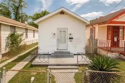 New Orleans Single Family Home For Sale: 2121 Piety Street