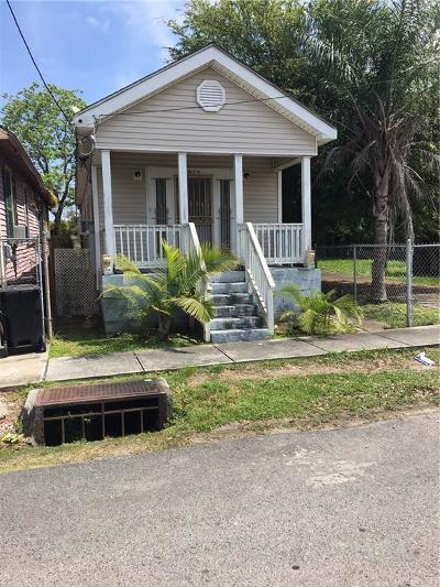 Single Family Home For Sale: 2829 Annette Street