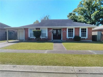 Kenner Single Family Home For Sale: 25 Antigua Drive
