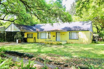 Single Family Home For Sale: 202 Neil Avenue