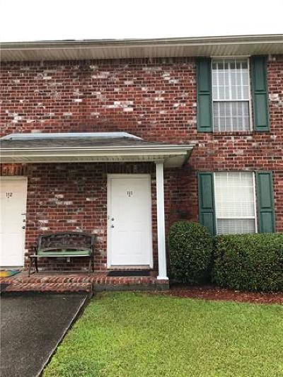 Jefferson Parish, Orleans Parish Multi Family Home For Sale: 3256 Timberlane Way Drive #111
