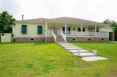 Single Family Home For Sale: 9572 Barataria Boulevard
