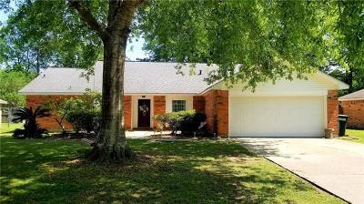 Single Family Home For Sale: 425 Woodridge Boulevard
