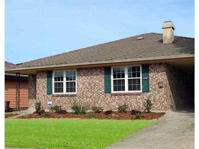 Single Family Home For Sale: 3105 Neyrey Drive