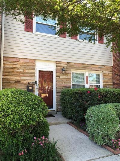 Jefferson Parish, Orleans Parish Multi Family Home For Sale: 300 Terry Pkwy Parkway #B