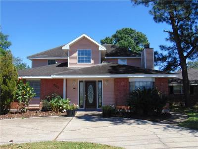 Metairie Single Family Home For Sale: 4717 Lake Villa Drive