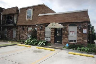 Metairie Multi Family Home For Sale: 6200 Riverside Drive #404