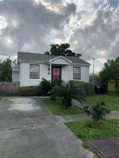 New Orleans Single Family Home For Sale: 6084 Warrington Drive