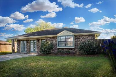 Single Family Home For Sale: 301 Lassalle Drive