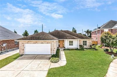Single Family Home For Sale: 205 Moss Bayou Lane