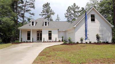 Madisonville Single Family Home For Sale: 375 Rue Charlotte