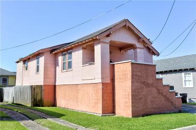 Single Family Home For Sale: 4210 S Johnson Street