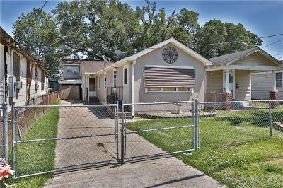 Westwego Single Family Home For Sale: 637 Avenue F Street