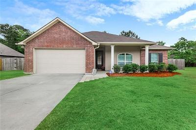 Madisonville Single Family Home For Sale: 320 Coconut Palm Drive
