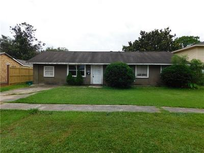 Kenner Single Family Home For Sale: 431 Holy Cross Place