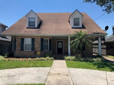 Metairie Single Family Home For Sale: 5320 Robeline Drive