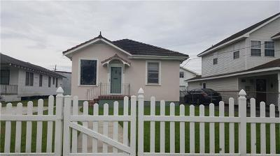 Single Family Home For Sale: 427 1st Avenue