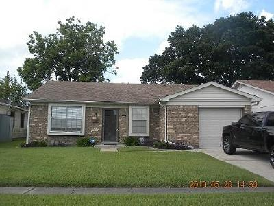 Single Family Home For Sale: 2321 Carol Sue Avenue