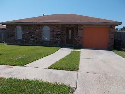 New Orleans Single Family Home For Sale: 7530 Wave Drive