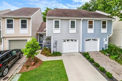 Townhouse For Sale: 937 Old Metairie Drive