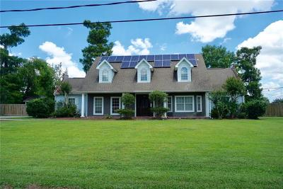 Single Family Home For Sale: 2561 Crestwood Road
