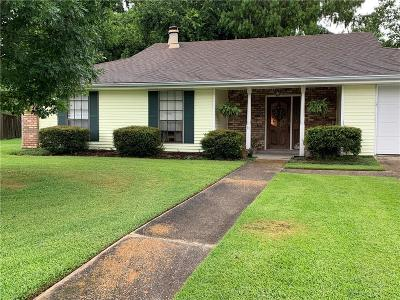 Destrehan, St. Rose Single Family Home For Sale: 31 Parlange Drive