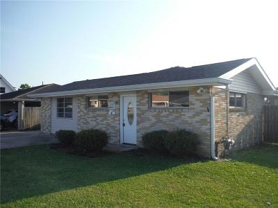 Harvey Single Family Home For Sale: 1558 Maplewood Drive