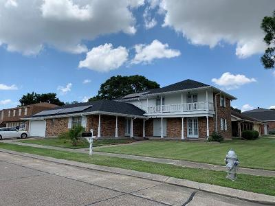 Harvey Single Family Home For Sale: 2200 Stall Drive