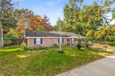 Single Family Home For Sale: 240 W Causeway