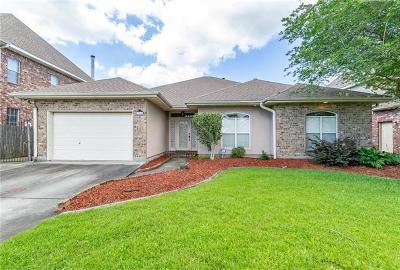Kenner Single Family Home For Sale: 212 Moss Bayou Lane