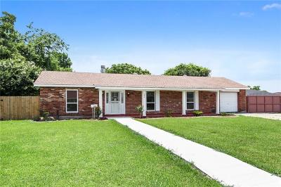 Gretna Single Family Home For Sale: 244 Briarwood Drive