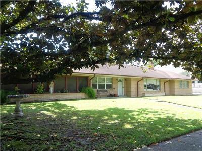 Single Family Home For Sale: 136 Elaine Avenue