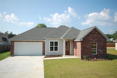 Covington Single Family Home For Sale: 20107 Linden Street