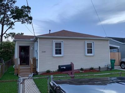 Gretna Single Family Home For Sale: 2108 Hero Drive