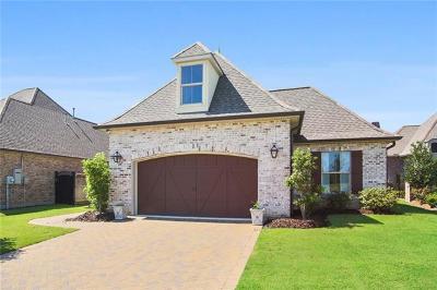 Covington Single Family Home For Sale: 821 S Corniche Du Lac