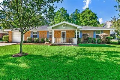 Covington Single Family Home For Sale: 25 Begonia Drive