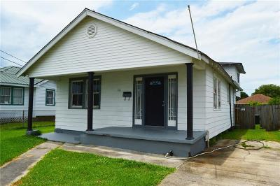 Westwego Single Family Home For Sale: 716 Avenue D