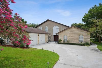 Single Family Home For Sale: 8 Chateau Trianon Drive