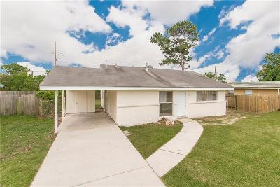 Gretna Single Family Home For Sale: 411 E Butterfly Circle