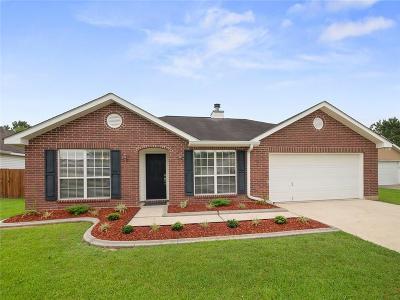 Covington Single Family Home For Sale: 209 Spur Court