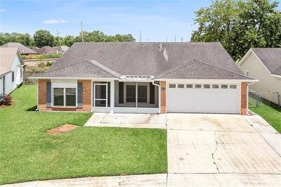 Destrehan Single Family Home For Sale: 449 Longwood Drive