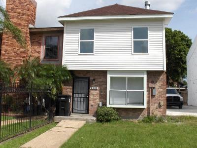 Townhouse For Sale: 5840 Tullis Drive
