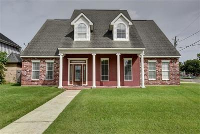 Single Family Home For Sale: 2 Watters Court