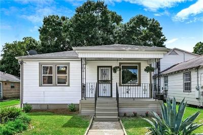 Single Family Home For Sale: 3906 Iroquois Street