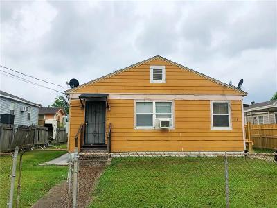 Single Family Home For Sale: 5916 Lafaye Street