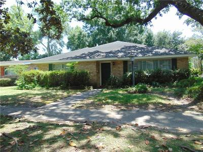 Single Family Home For Sale: 501 Colony Place